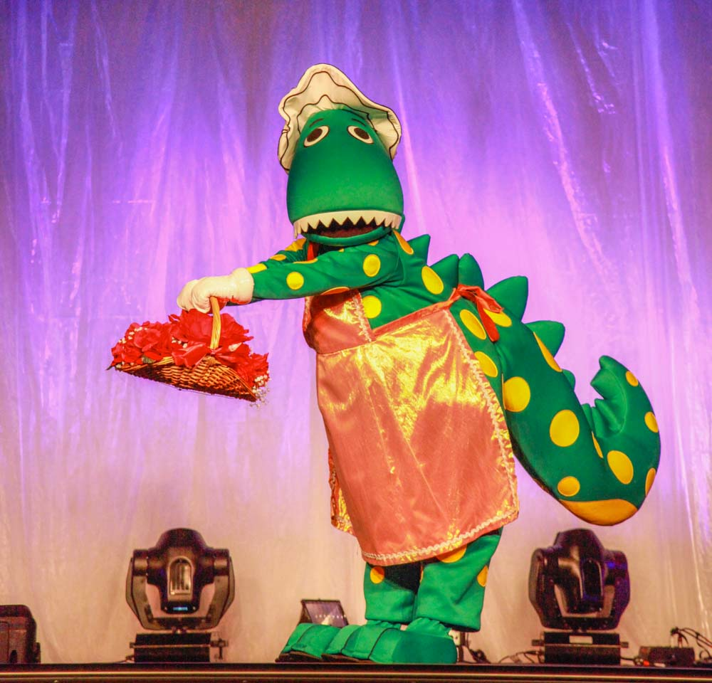 Fun 4 Kids. Dorothy the Dinosaur. Event Photography.