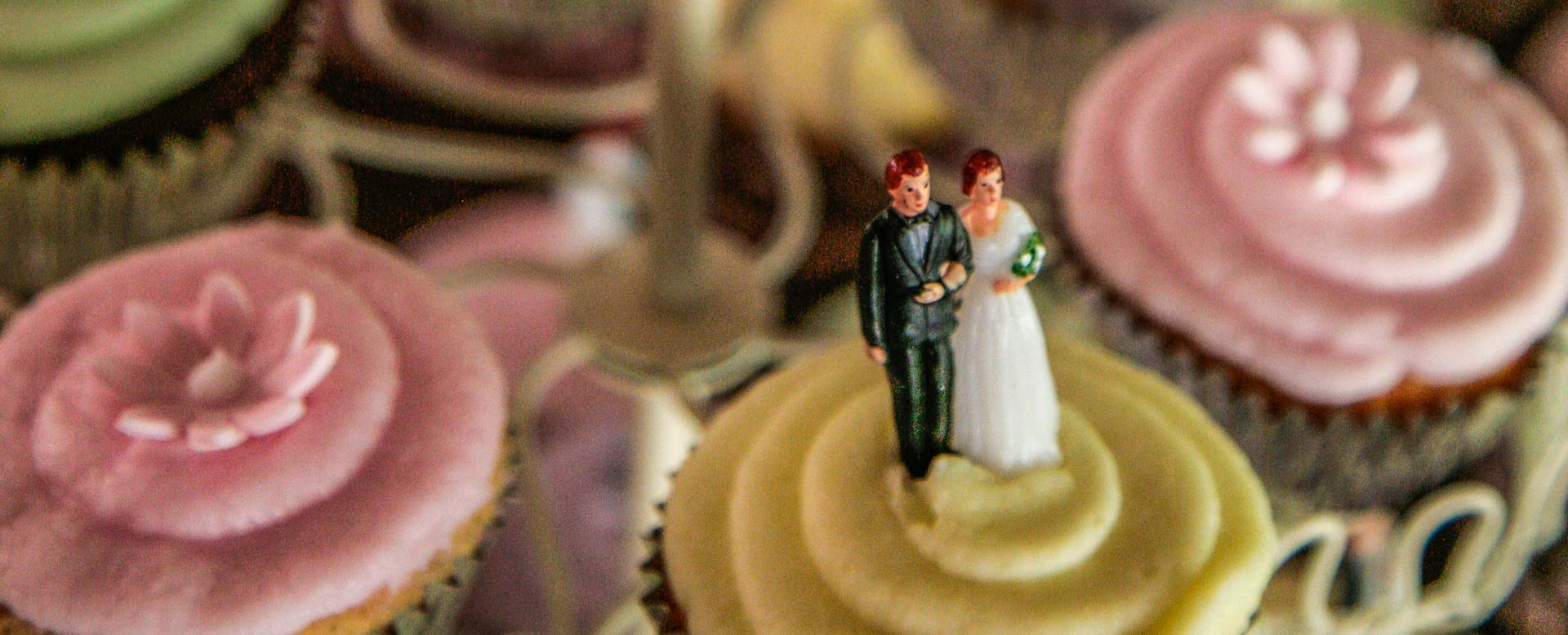 Wedding Photography Adelaide. Wedding Cup Cakes.